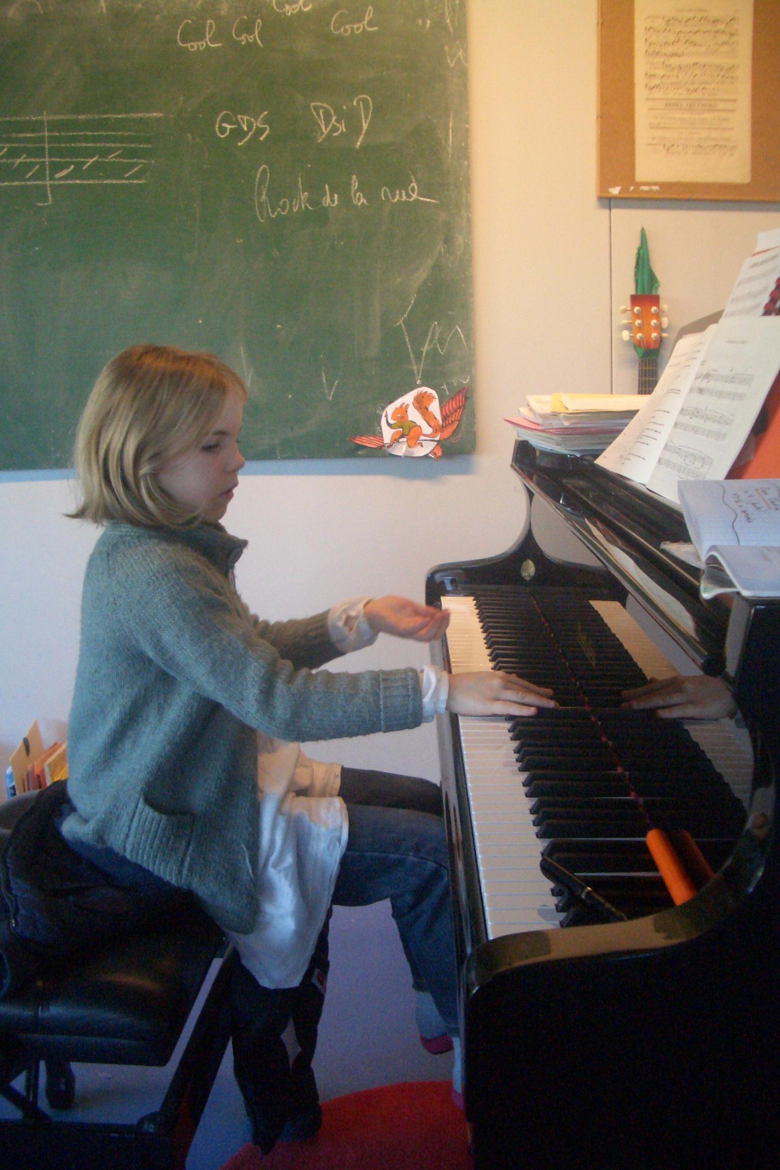 Cours d instruments de musique ecole d 39 art et de musique - Cours de piano montpellier ...